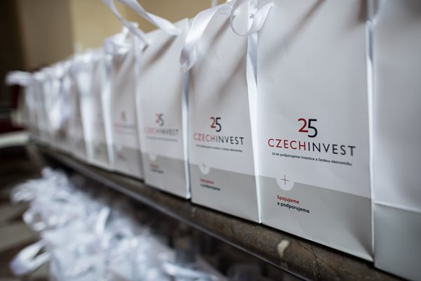 CzechInvest25-10_small