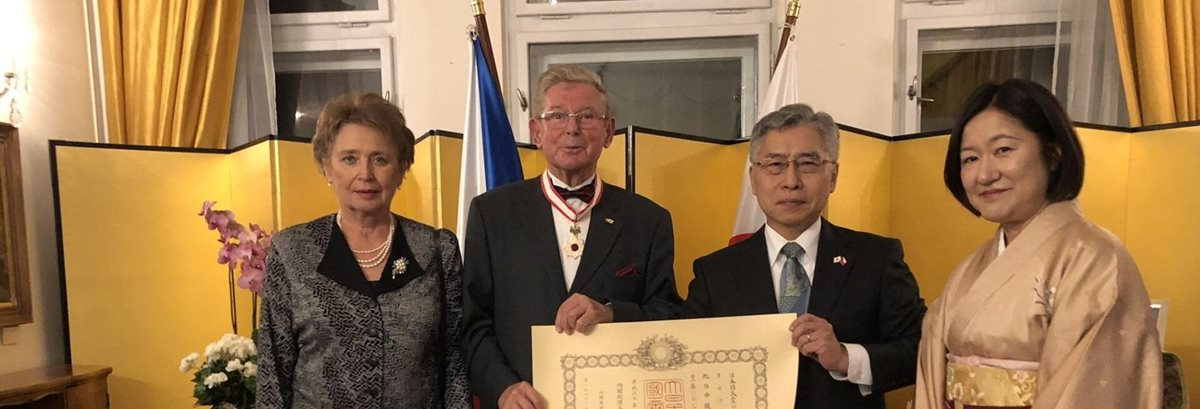 Japanese government awards Order of the Rising Sun to Josef Lébl