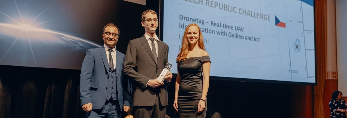 Czech startup Dronetag wins the highest award in the space industry in Helsinki. How did the young entrepreneurs break through?